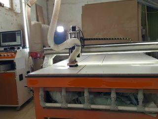 Многофункциональный фрезерный центр с ЧПУ размер стола 3000х2100 мм.