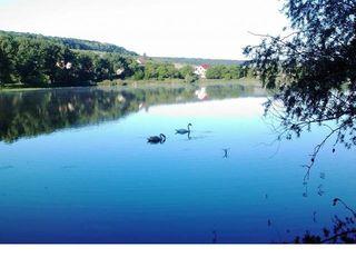 Продается дача в 45км от кишинева в оргеевском р-не за с.Иванча с права за озером
