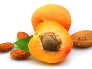 Miez samburi de caise Amari si Dulci Ядра абрикоса Сладкие и Горькие