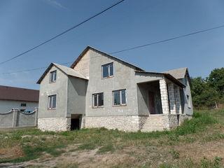 Ciocana, comuna Bubuieci, s-tul Bic, teren 6ari, Casa individuala nefinisata 300m2 - 30000euro