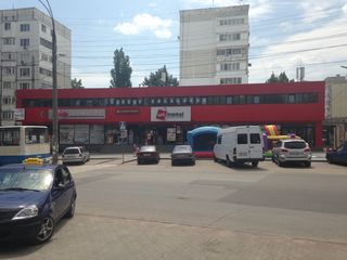 Spatii comerciale / коммерческие площади (et. 2)