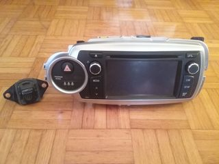 Toyota radio dvd  bluetooth  tochscreen camera