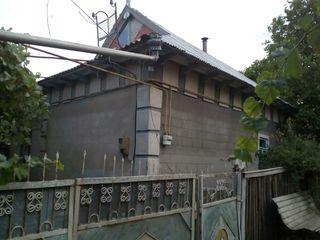Дом в центре села Лебеденко