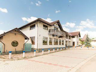 Spațiu comercial 400 mp, 6 oficii, Prima linie în Cucuruzeni !