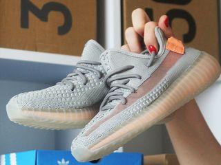 """Adidas Yeezy Boost 350 V2 """"True Form"""" Unisex"""