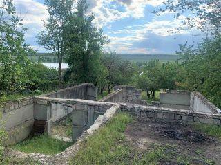 Se ofera spre vinzare lot de teren pentru constructie cu suprafata de 6 ari,s.Peresecina.r.Orhei!