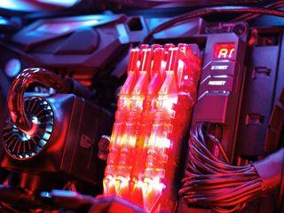 C подсветкой 16GB 2 ПЛАНКИ (2x8GB) - 8GB DDR4 2400MHZ