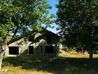 Casa in suburbie! 12km pina la Chisinau