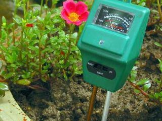 Измеритель влажности, кислотности и освещенности почвы растений
