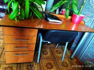 Распродажа офисных столов в хорошем состоянии