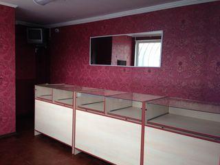 Продам магазин 19,43 м2 - центр города Чадыр-Лунга. Раскрученное место