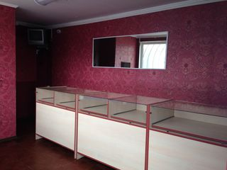 Продам магазин 19,43 м2 - у входа на рынок г Чадыр-Лунга