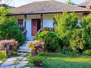 Продаю дом в Вадул-луй-Водэ 25 соток земли 2 входа, дорога асфальтирована.Кишиневская прописка.
