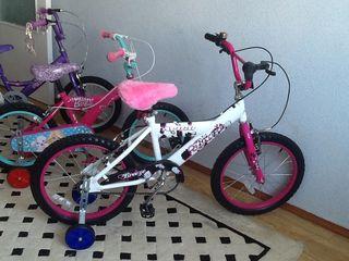 Bi Bicicleta pentru copi ,roti la 16 -18 , Recent aduse din Anglia ,
