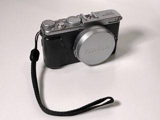 Aparat foto Fujifilm X70