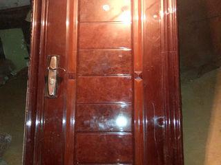 Срочно! Металлическая дверь. Usa de metalica.