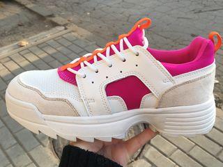 Новые кроссовки! Производитель Испания ! Размер 39