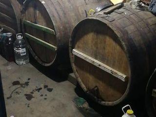 vind 300 lit de vin p/u samagon-4 lei/lit-orhei