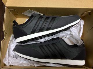 Оригинальные кроссовки Adidas ! Размер 44,45 !