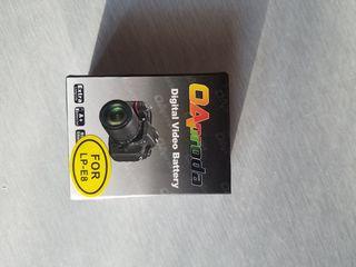 Аккумулятор на Canon 550D, 600D крышки от объектива в подарок