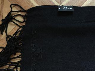Fulare, bereta de firma! Balenciaga, Wool Mark! Original! Pret 50 lei - 75 lei.