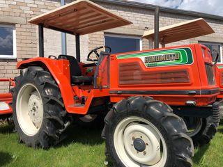 Se vinde tractor Hinomoto N329 cu freza de sol