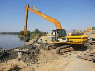 Prestam servicii săpare iazuri canale excavator cu brat lung 18 m
