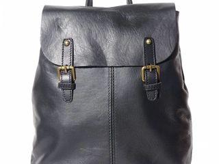 150 единиц итальянских оригинальных кожаных сумок