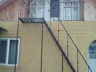 1-этаж. дом с мансардой 100кв.м.  на 29 соток  земли в с. Стурзовка
