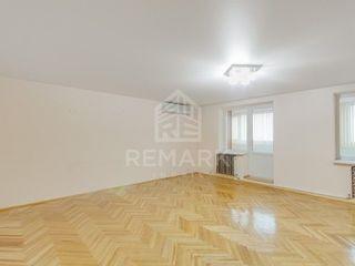 Se vinde apartament cu 4 dormitoare, Râșcani, 140 mp, 88900 €