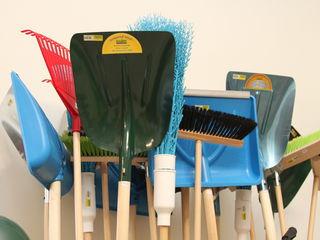 Lopeți,greble, furci, topoare, unelte pentru grădinărit și nu numai...