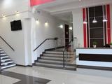 "În chirie oficii sect. Botanica 15-30-45-60 m.p! Business Center ""Grenoble"" !!"