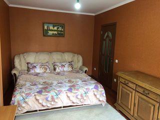 Botanica (Apartament chirie > - 80 lei ora, noaptea 380 lei ) lîngă Repromed str. Cuza Vodă -24/24