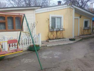 Se dă în chirie casă în oraș Soroca,cu toate comoditățile