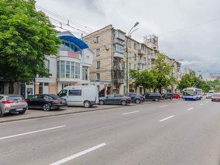 Centru,  сhirie, oficiu, spațiu comercial, 350 m.p, 3000 euro