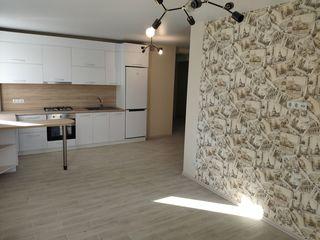 Aartament cu 3 dormitoare+living cu bucatarie,reparat,casa din cotilet,et.1/9 bloc nou,99m.