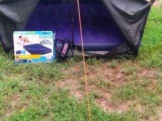 Палатка -2 - х  местная .   +  Надувной матрас .