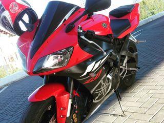 Yamaha YZF R1000