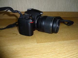 Фотоаппарат Nikon D3000 18-55VR Kit Подробнее: /Матрица 23.6 x 15.8 мм, 10.2 Мп / Объектив 18-55VR K