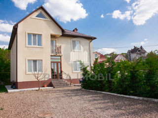 Buiucani - casa 2 nivele - 200 m.p - Dumbrava