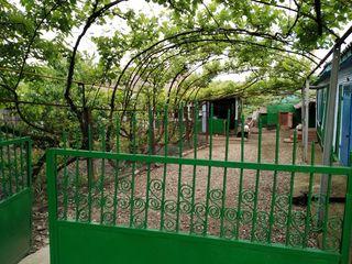 Продается дом 4 комнаты кухня, санузел. 107 кв. м. с ремонтом все удобства, автономное отопление, во