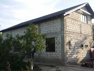 30000 euro - prima rata (suma totala - 62000) casa nefinisata cu teren de 8 ari locatie comoda. tran