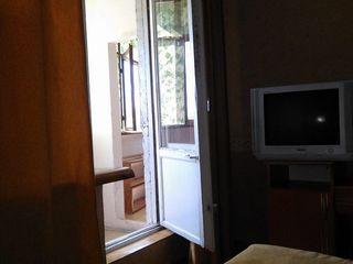 dam in chirie apartament cu 3 odai  la botanica...gata de intrare