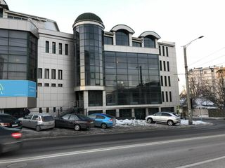 Chirie oficiu de la 110 - 400m2 centrul Chișinăului, str. Vasile Alecsandri