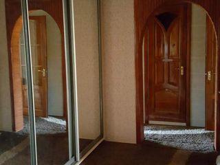 Apartament cu 3 odai!!!