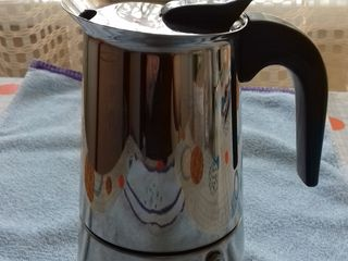 Tigaie noua/clatite/2parti;tigaie mare st.buna;masinca INOX/fiert cafea,ca noua;garnituri noi,Italya