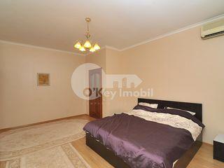 Apartament cu 3 camere, bloc nou, Centru, 1200 € !