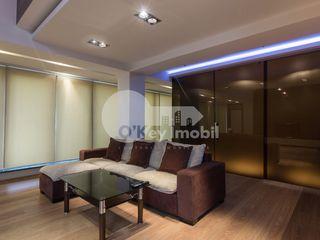 Penthouse cu 4 camere, Centru, 230 mp, 275000 € !
