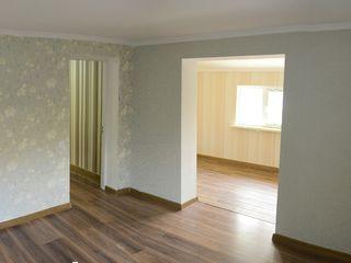 Продается 2-х комнатная квартира в центре города Рышкань!