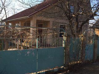 Продаётся дача с бассейном в 20 км от Кишинёва. 124 m2 . 22000 евро.